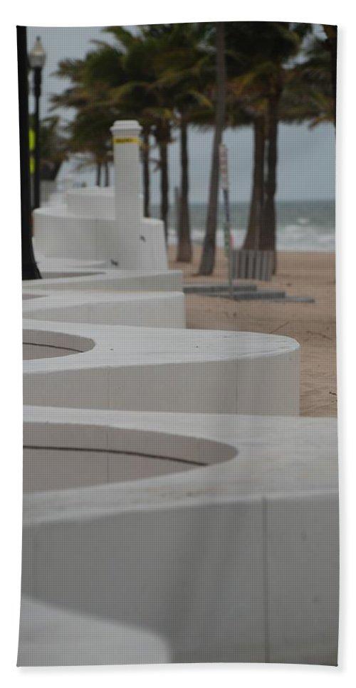 Pop Art Bath Sheet featuring the photograph Zig Zag At The Beach by Rob Hans