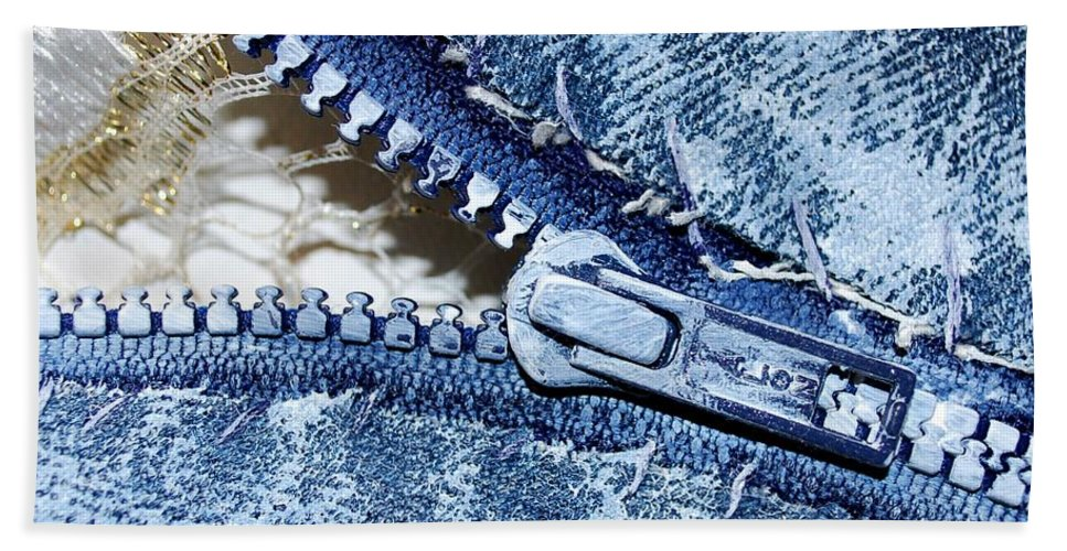 Painting Hand Towel featuring the painting Zipper In Blue by Nancy Mueller