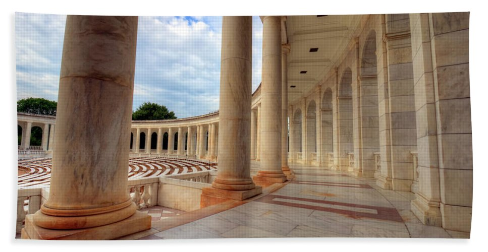 Craig Fildes Photography Bath Towel featuring the photograph Arlington National Cemetery Memorial Amphitheater by Craig Fildes