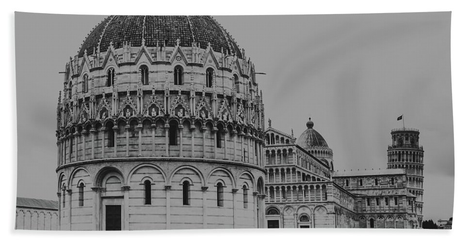 Bath Towel featuring the photograph Pisa. by Angela Aird