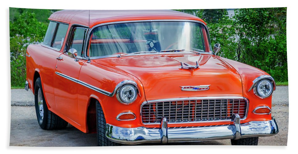 1955 Hand Towel featuring the photograph 1955 Chevrolet Bel Air Nomad by Ken Morris