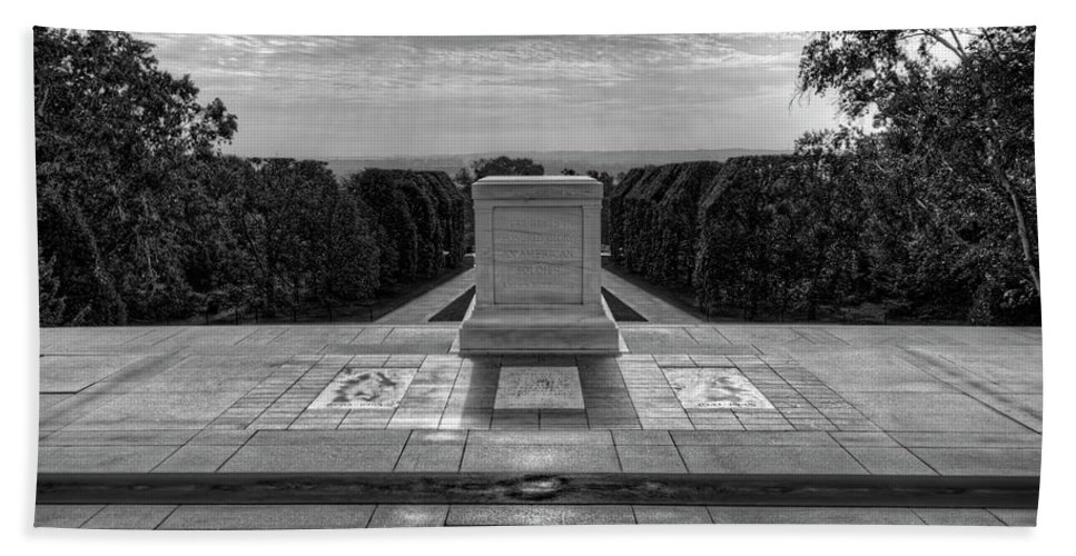 Craig Fildes Photography Hand Towel featuring the photograph Tomb Of The Unknown Soldier by Craig Fildes