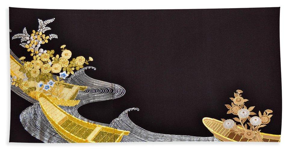 Bath Towel featuring the digital art Spirit of Japan T61 by Miho Kanamori