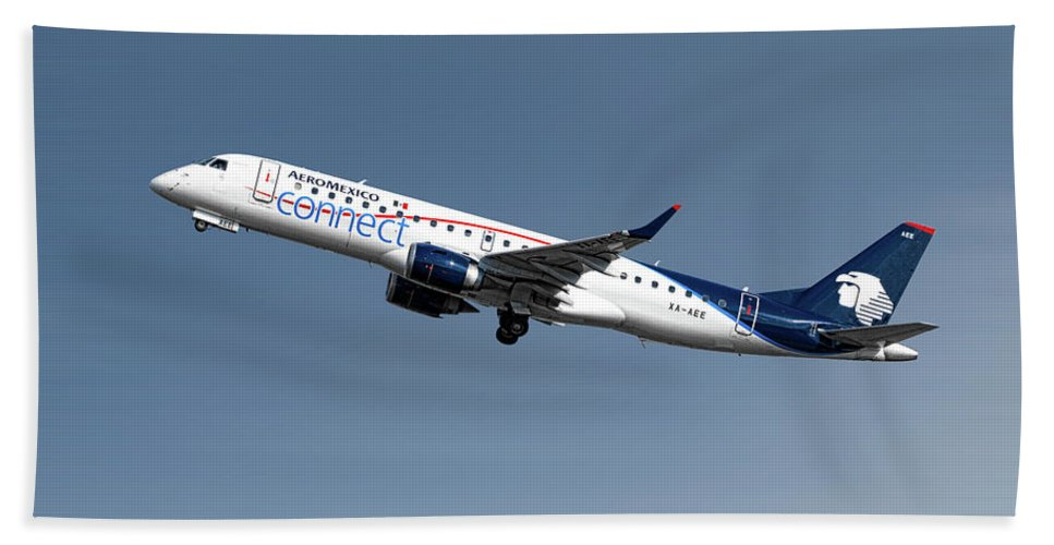 Aeromexico Hand Towel featuring the mixed media Aeromexico Connect Embraer Erj-190ar by Smart Aviation