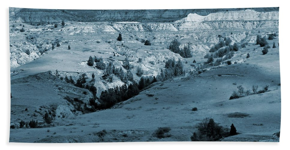 North Dakota Bath Towel featuring the photograph Badlands Shadows And Sunlight by Cris Fulton