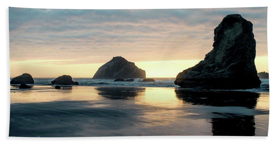 Bandon Beach Hand Towel featuring the photograph Bandon Beach Sunset 3 by Jim Thompson