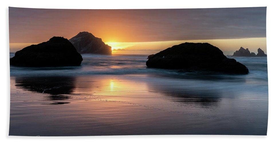 Bandon Beach Bath Towel featuring the photograph Bandon Beach Sunset 5 by Jim Thompson