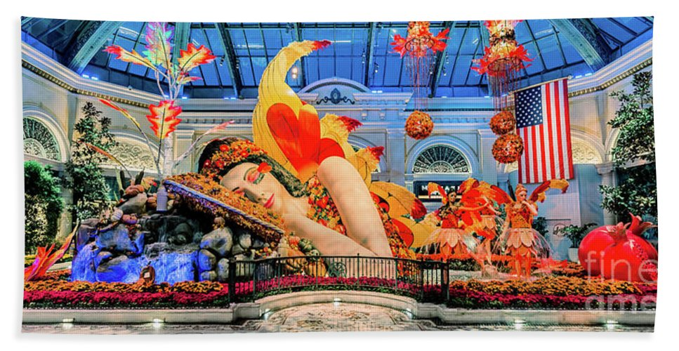 Bellagio Conservatory Bath Sheet featuring the photograph Bellagio Conservatory Falling Asleep Display Wide 2018 2.5 To 1 Aspect Ratio by Aloha Art