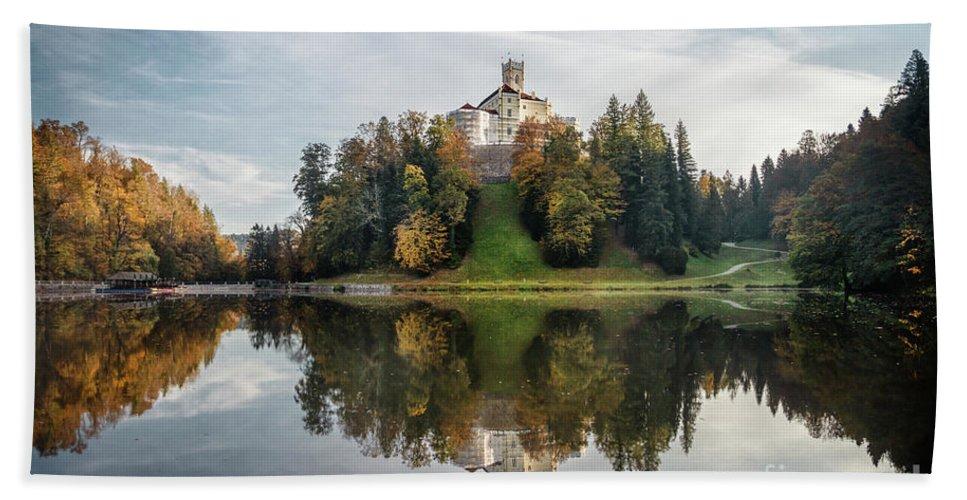 Kremsdorf Bath Towel featuring the photograph Castle On The Hill by Evelina Kremsdorf