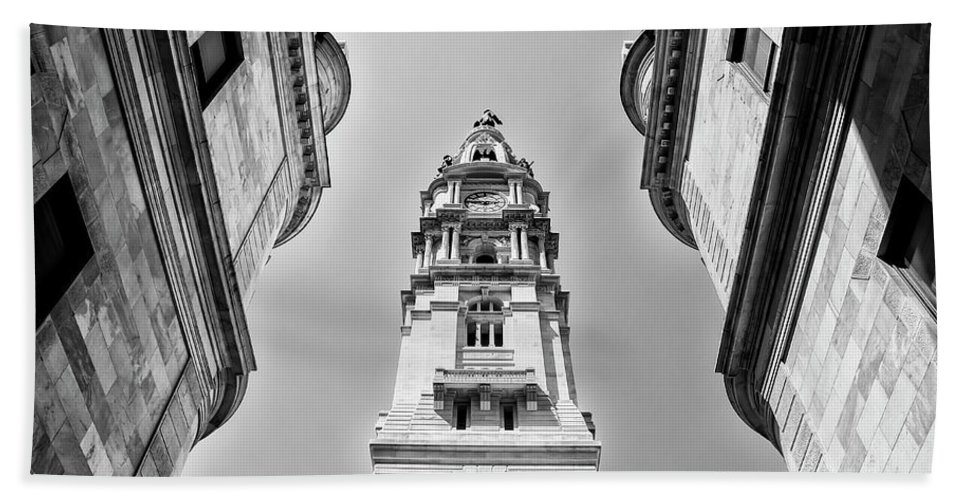 Black And White Hand Towel featuring the photograph City Hall In Center City Philadelphia In Black And White by Bill Cannon