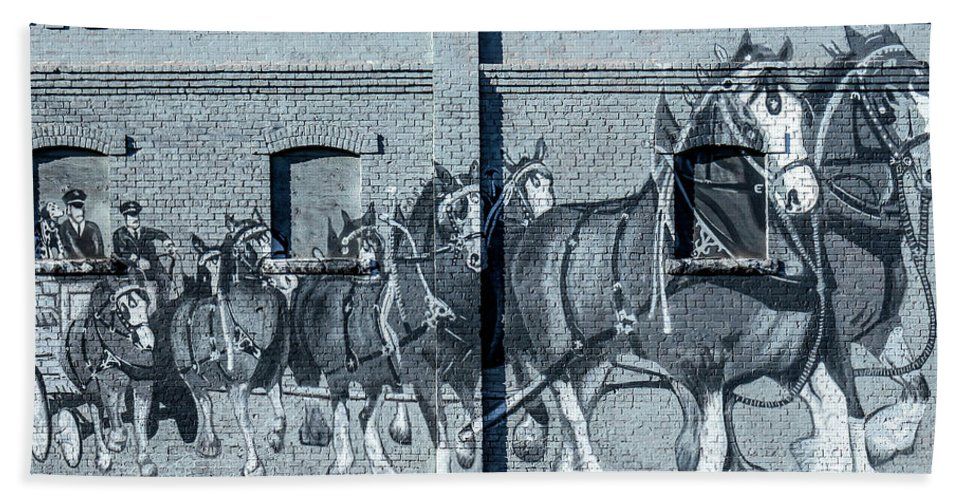 Clydesdale Bath Towel featuring the photograph Clydesdale Mural by Todd Klassy
