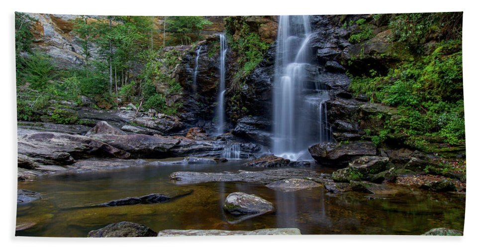 High Falls Bath Sheet featuring the photograph High Falls Majesty by Robert J Wagner