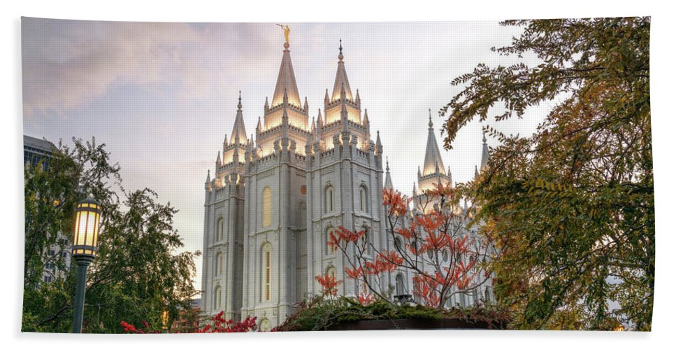 Mormon Bath Towel featuring the photograph House Of The Lord by Dustin LeFevre