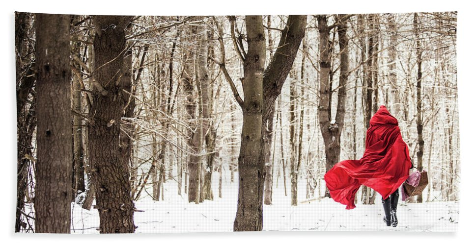 Little Red Riding Hood Bath Towel featuring the photograph Little Red Riding Hood by Trevor Slauenwhite