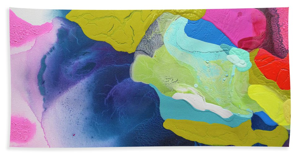 Abstract Bath Towel featuring the painting Maya 02 by Claire Desjardins
