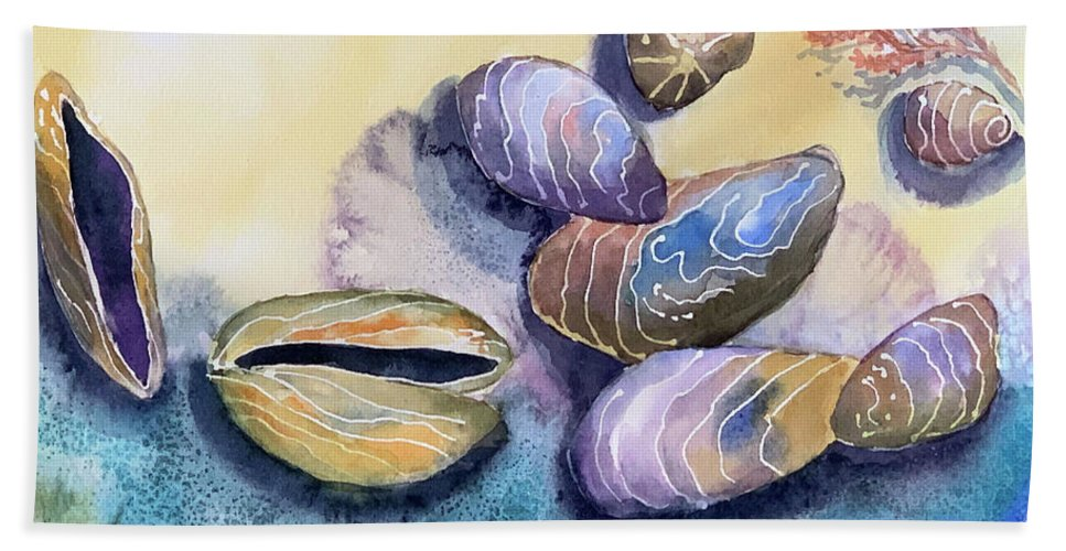 Sea Shells Bath Towel featuring the painting Mussels Sea Shells by Hilda Vandergriff
