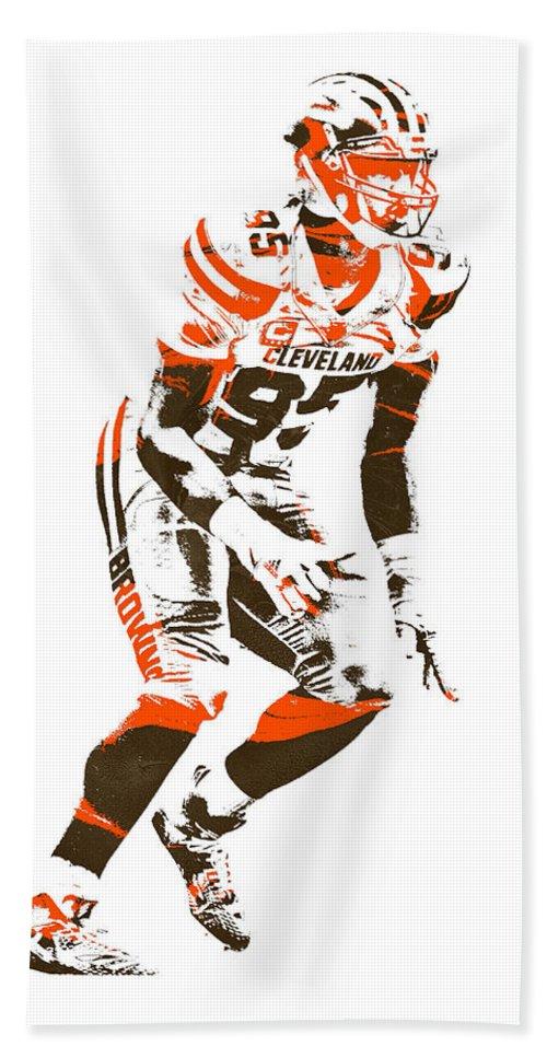 Myles Garrett Hand Towel featuring the mixed media Myles Garrett Cleveland Browns Pixel Art 2 by Joe Hamilton