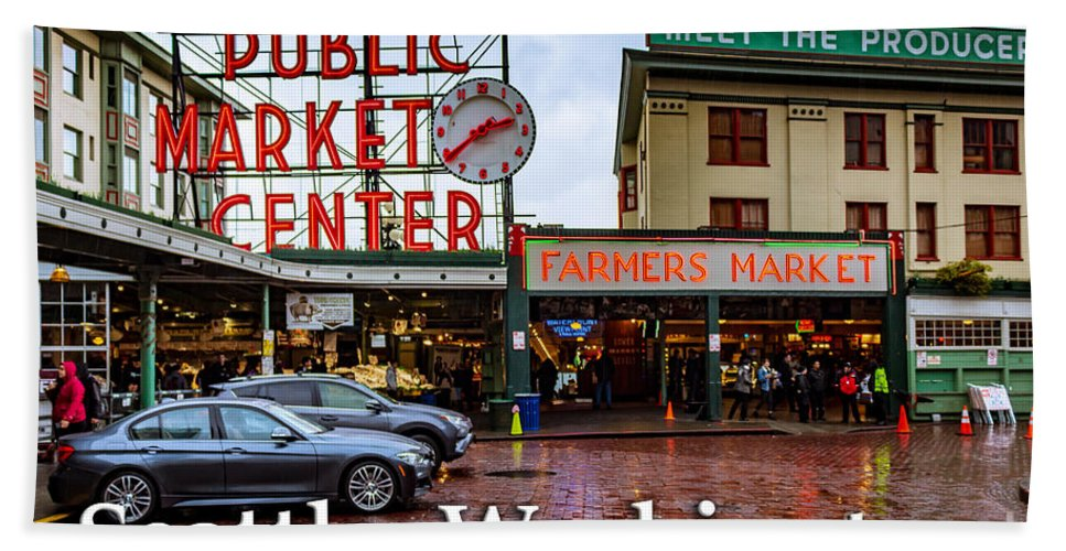 Pike's Place Hand Towel featuring the photograph Pikes Place Public Market Center Seattle Washington by G Matthew Laughton