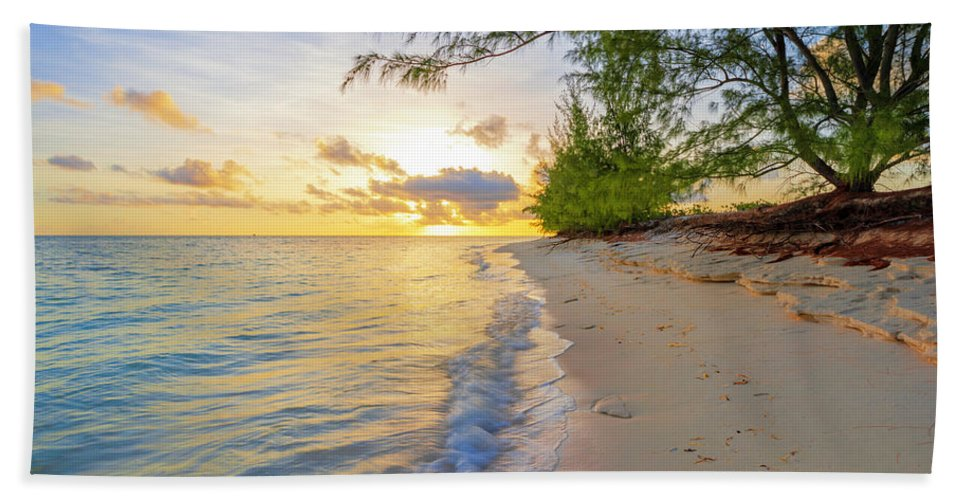 Atlantic Bath Towel featuring the photograph Pure Nature by Chad Dutson