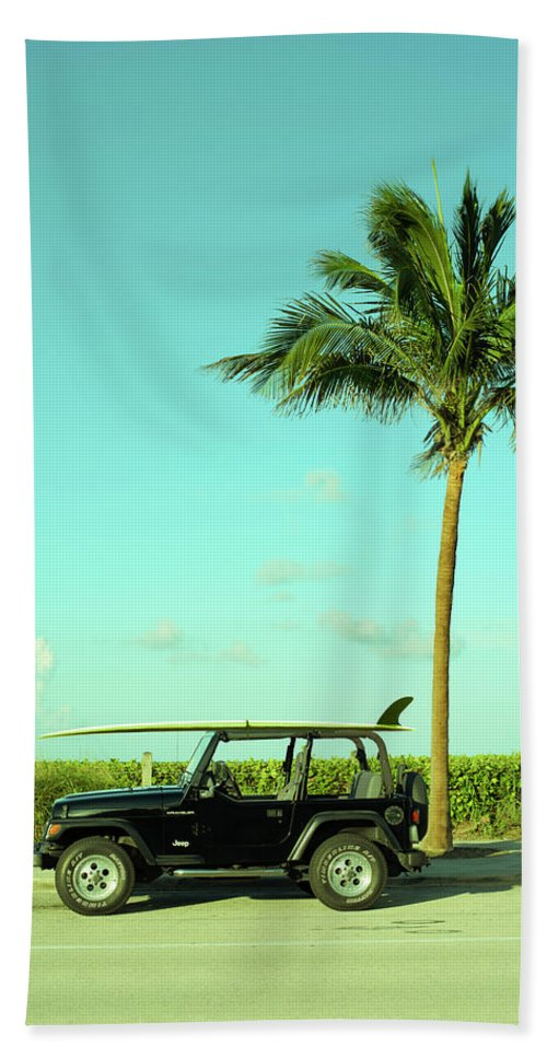 Surfer Bath Towel featuring the photograph Saturday Surfer Jeep by Laura Fasulo