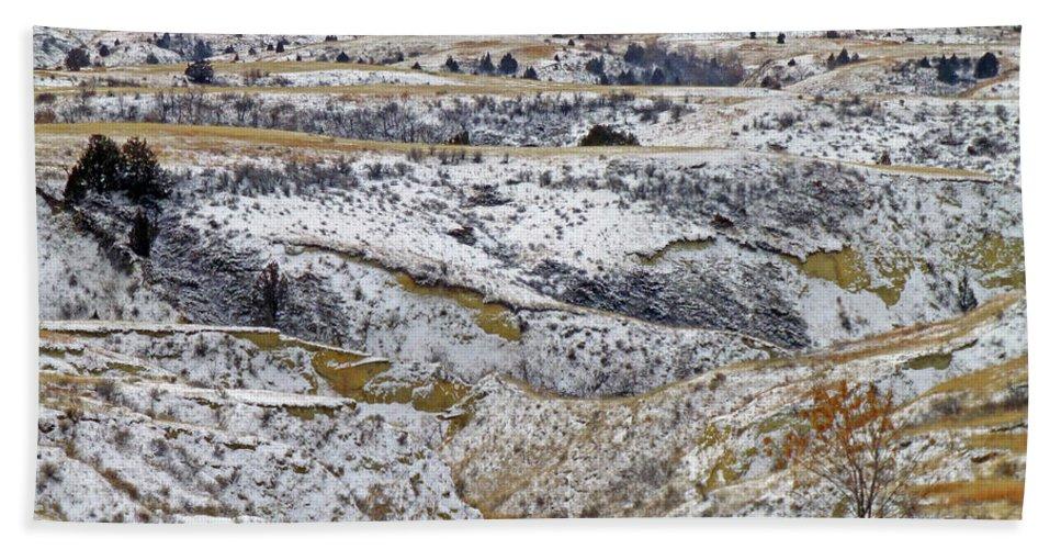 North Dakota Hand Towel featuring the photograph Snowy Dakota by Cris Fulton