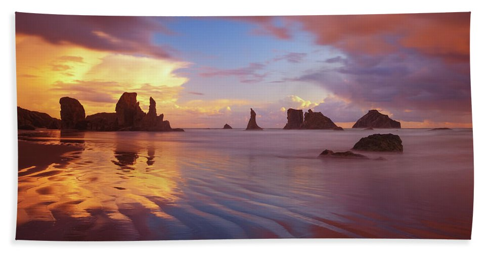 Oregon Hand Towel featuring the photograph South Coast Sunset by Darren White