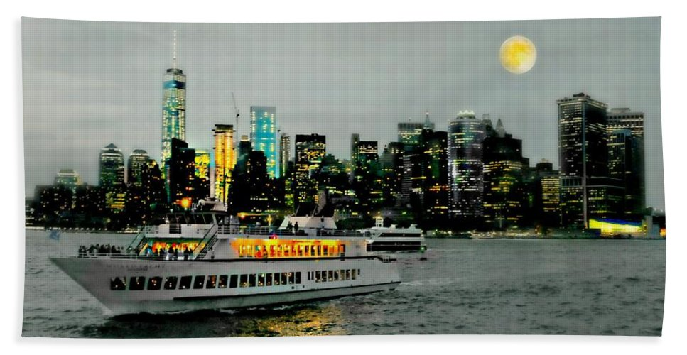 New York City Bath Sheet featuring the photograph Starboard by Diana Angstadt