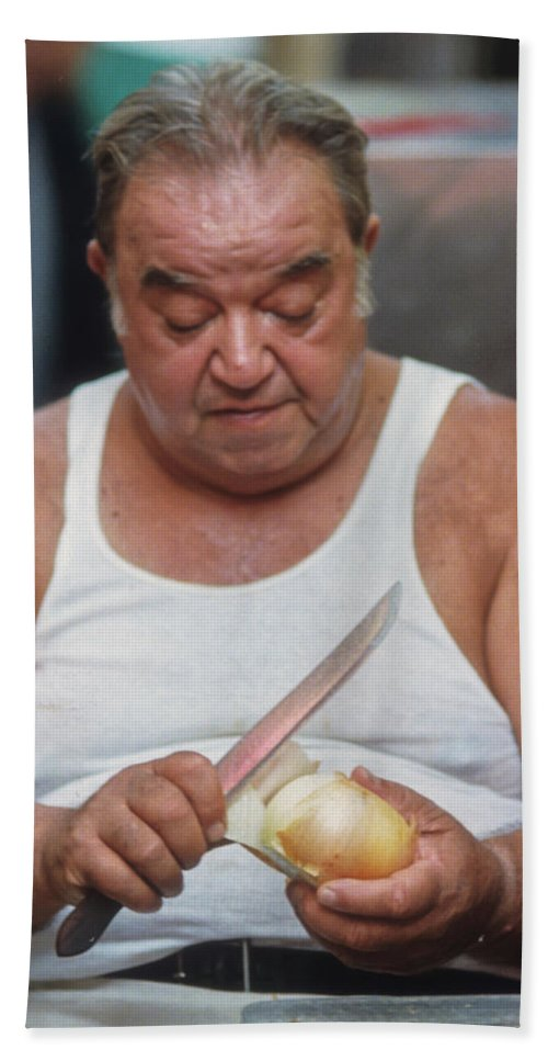 Cooking Hand Towel featuring the photograph The Onion Man by Frank DiMarco