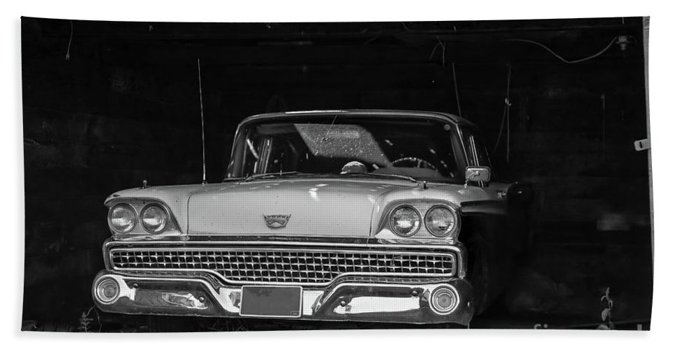 Car Bath Towel featuring the photograph Vintage Car Ringling Montana by Edward Fielding