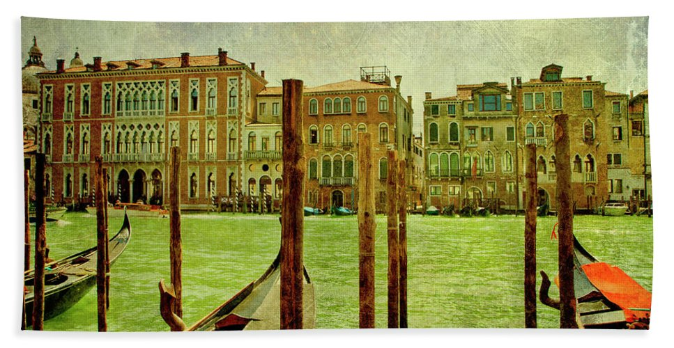 Grunge Bath Towel featuring the digital art Vintage Grand Canal Panorama by Luisa Vallon Fumi