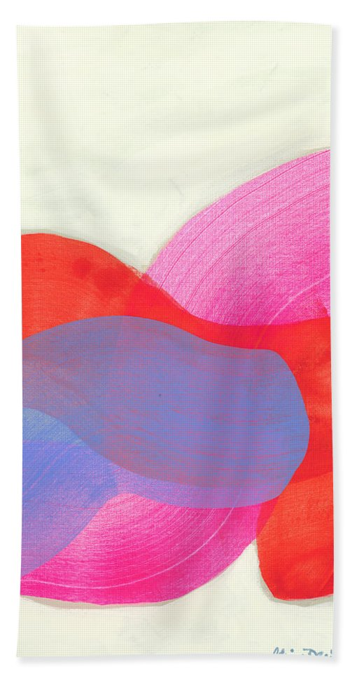 Abstract Bath Towel featuring the painting What To Say? by Claire Desjardins