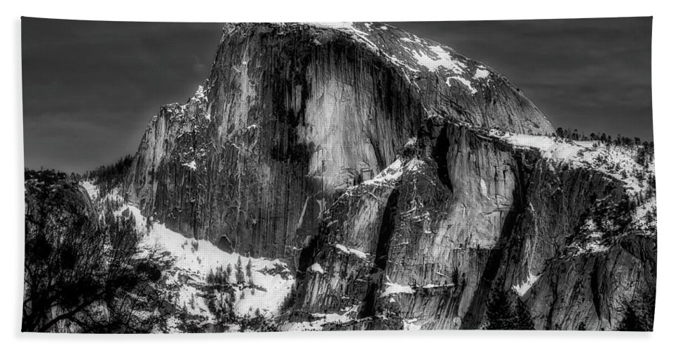 Half Dome Bath Towel featuring the photograph Winter Half Dome In Black And White by Garry Gay