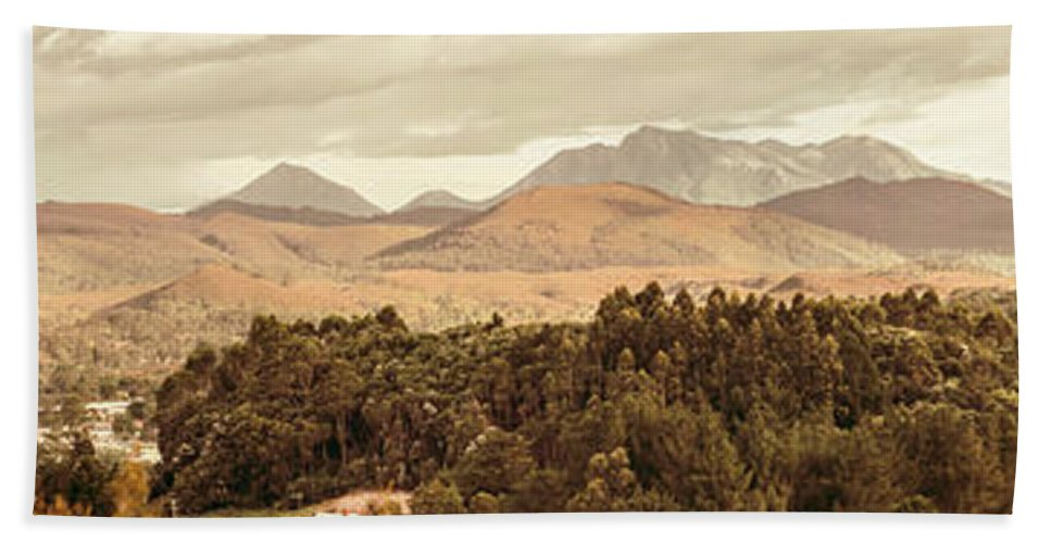 Wide Bath Towel featuring the photograph Zeehan And Beyond by Jorgo Photography - Wall Art Gallery