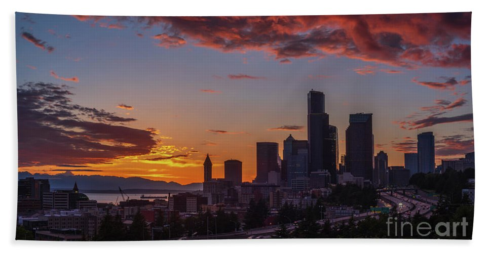 Seattle Hand Towel featuring the photograph Downtown Seattle Curve Of Interstate 5 Sunet by Mike Reid