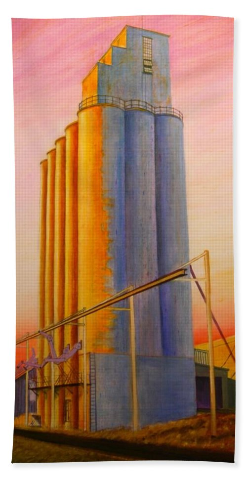 Grain Hand Towel featuring the painting Endicotte Silos by Leonard Heid
