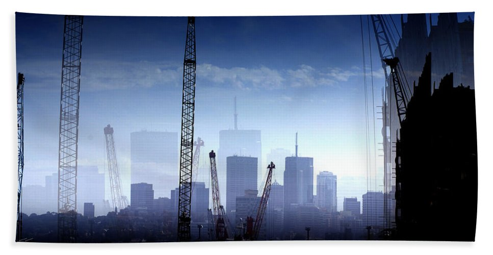 Landscape Bath Towel featuring the photograph Growth in the City by Holly Kempe