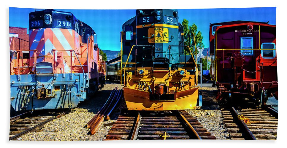 Red Bath Towel featuring the photograph Heber Valley Trainyard by Garry Gay