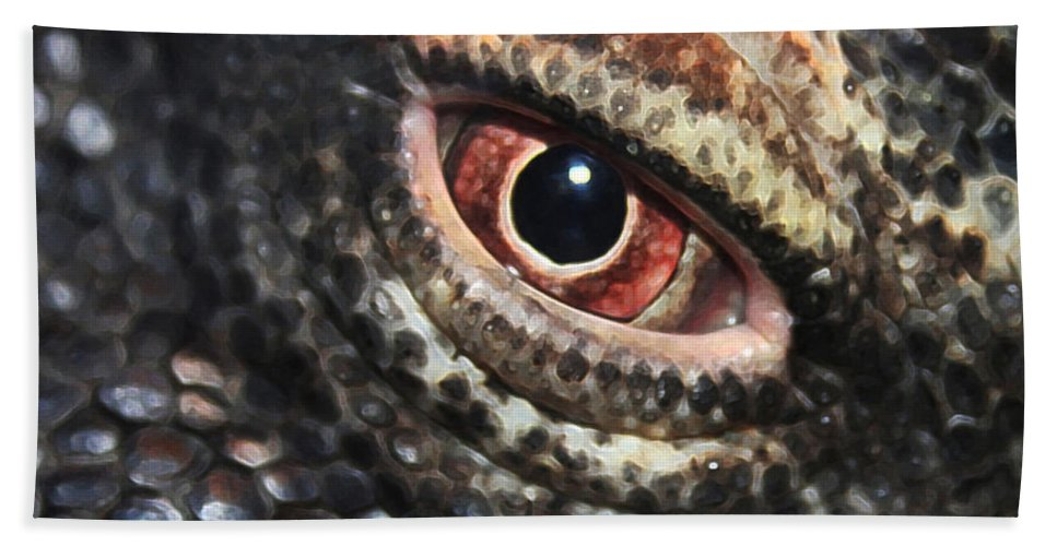 Komodo Dragon Eye Hand Towel For Sale By Linda Sannuti