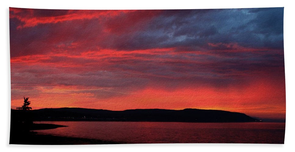 Sunset Bath Towel featuring the photograph Red Sunset by Trevor Slauenwhite