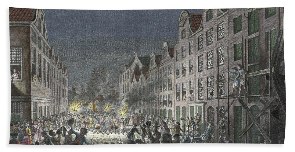 1751 Bath Towel featuring the drawing Rotterdam Riot, 1751 by Simon Fokke