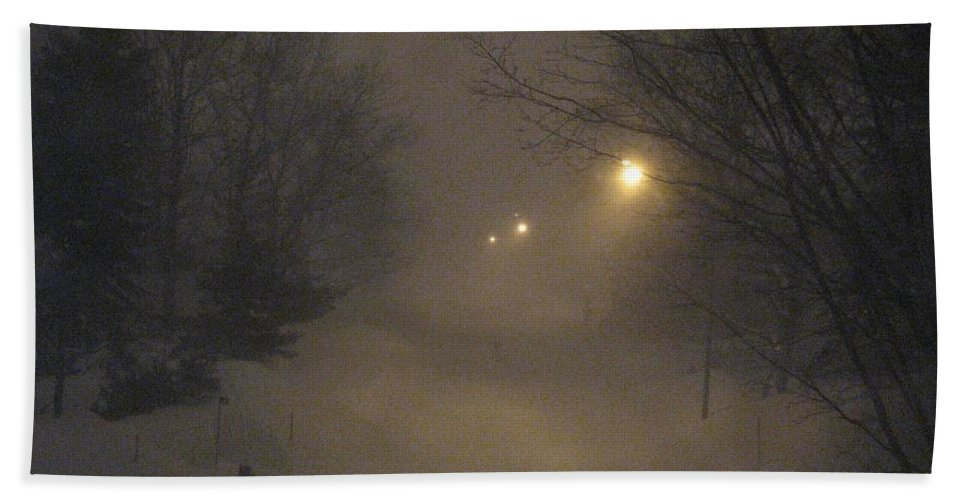 Snow Bath Towel featuring the photograph Snowy Night by Mary Ellen Mueller Legault