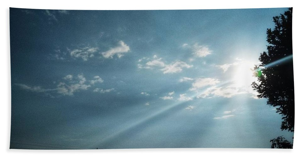 Sky Bath Towel featuring the photograph Striking rays by Yvonne's Ogolla