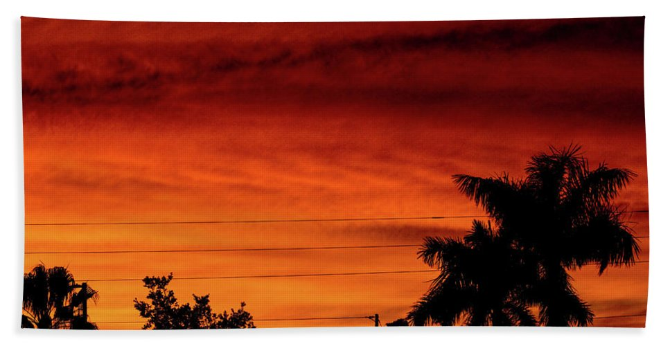 Sunset Bath Towel featuring the photograph The Fire sky by Daniel Cornell