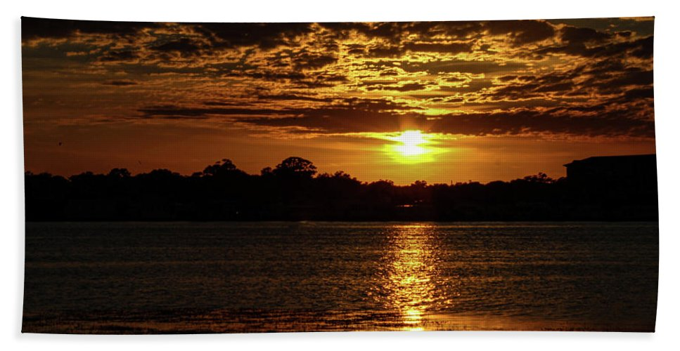 Sunset Bath Towel featuring the photograph The Sunset over the Lake by Daniel Cornell