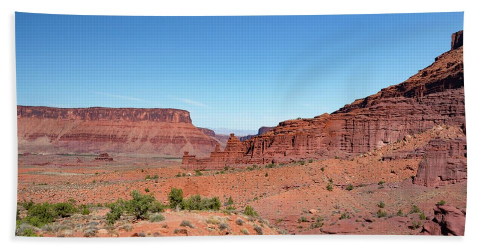 Fisher Towers Bath Towel featuring the photograph Wild Utah Landscape by Jim Thompson