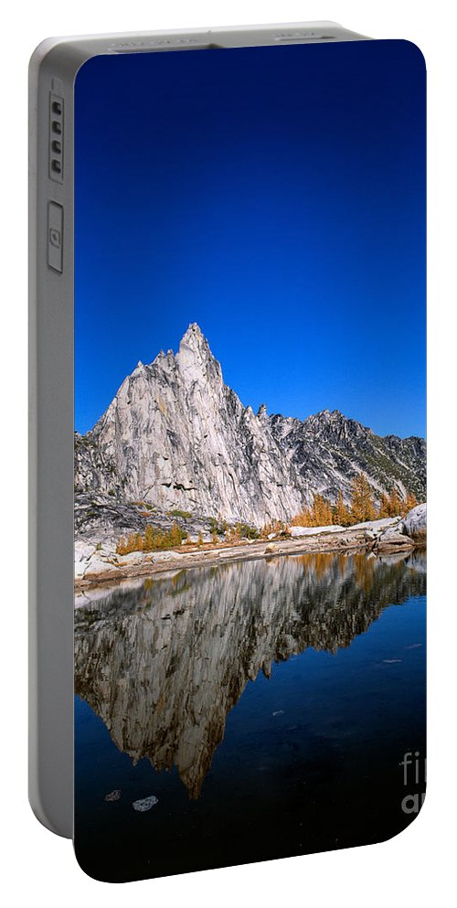 Alpine Lakes Wilderness Portable Battery Charger featuring the photograph Prusik Peak Reflects In Gnome Tarn by Tracy Knauer