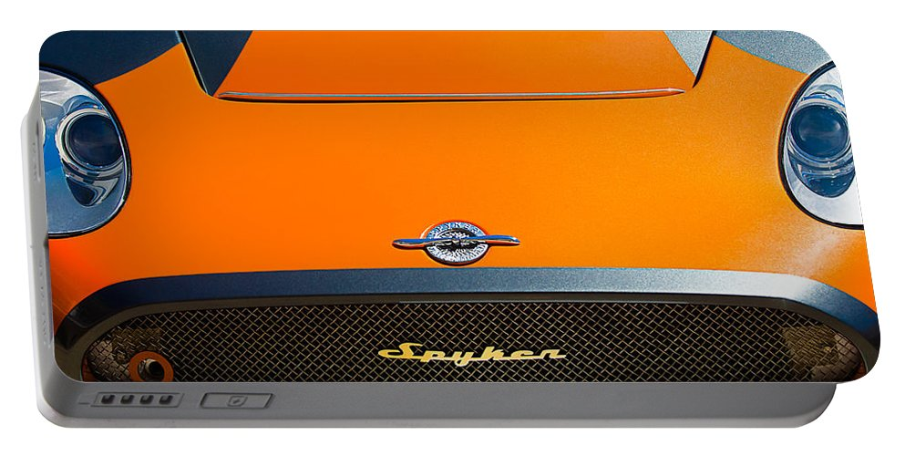 2009 Spyker C8 Laviolette Lm85 Grille Emblem Portable Battery Charger featuring the photograph 2009 Spyker C8 Laviolette Lm85 Grille Emblem by Jill Reger