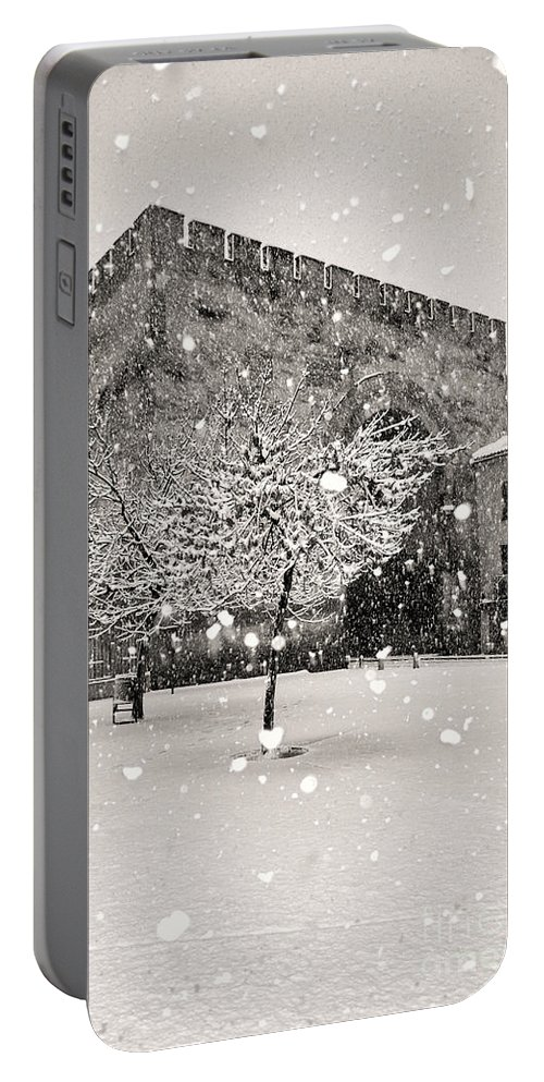 Snow Portable Battery Charger featuring the photograph Arc Of Elvira by Guido Montanes Castillo