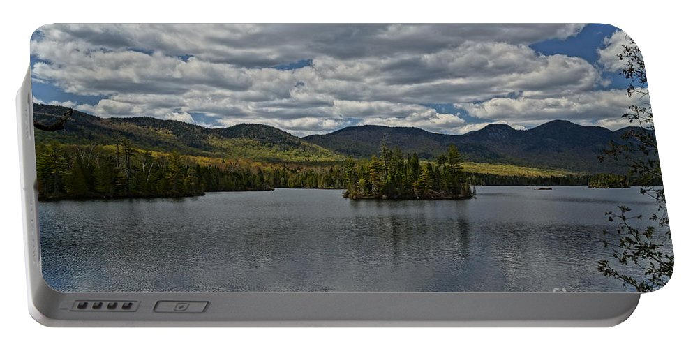 Lake View Portable Battery Charger featuring the photograph Elk Lake by Jeffery L Bowers