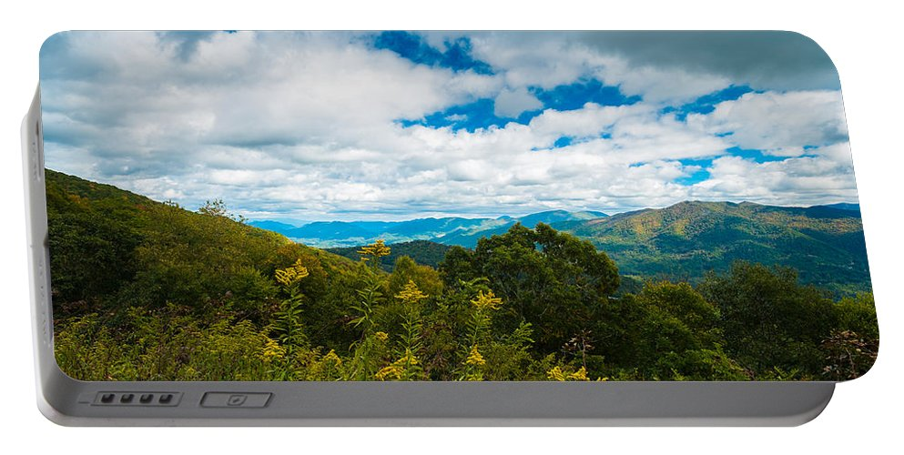 Blue Ridge Parkway Portable Battery Charger featuring the photograph Great Smoky Mountains by Raul Rodriguez